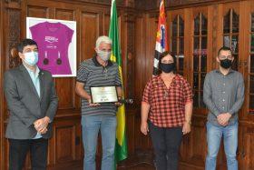 Secretaria entrega Selo Amigo do Esporte a cinco instituições